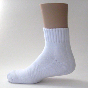 Discover Nike men's socks, engineered for optimal comfort in all levels of activity. Whether you're looking for everyday socks or sport-specific pairs, men's socks by Nike provide the extra layer of comfort for your unique preferences.